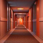 ¿Cómo reservar un hotel por el precio de un hostal?